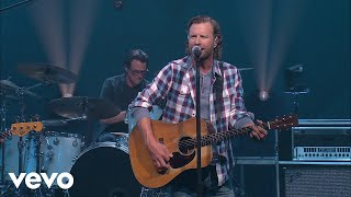 """Dierks bentley's performs his single, """"gone"""" live from the ellen degeneres show.listen to bentley's, here: https://strm.to/dbgonemy buddies thi..."""