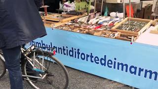 Gli ambulanti di Forte dei Marmi a Milano(, 2017-05-14T17:23:16.000Z)