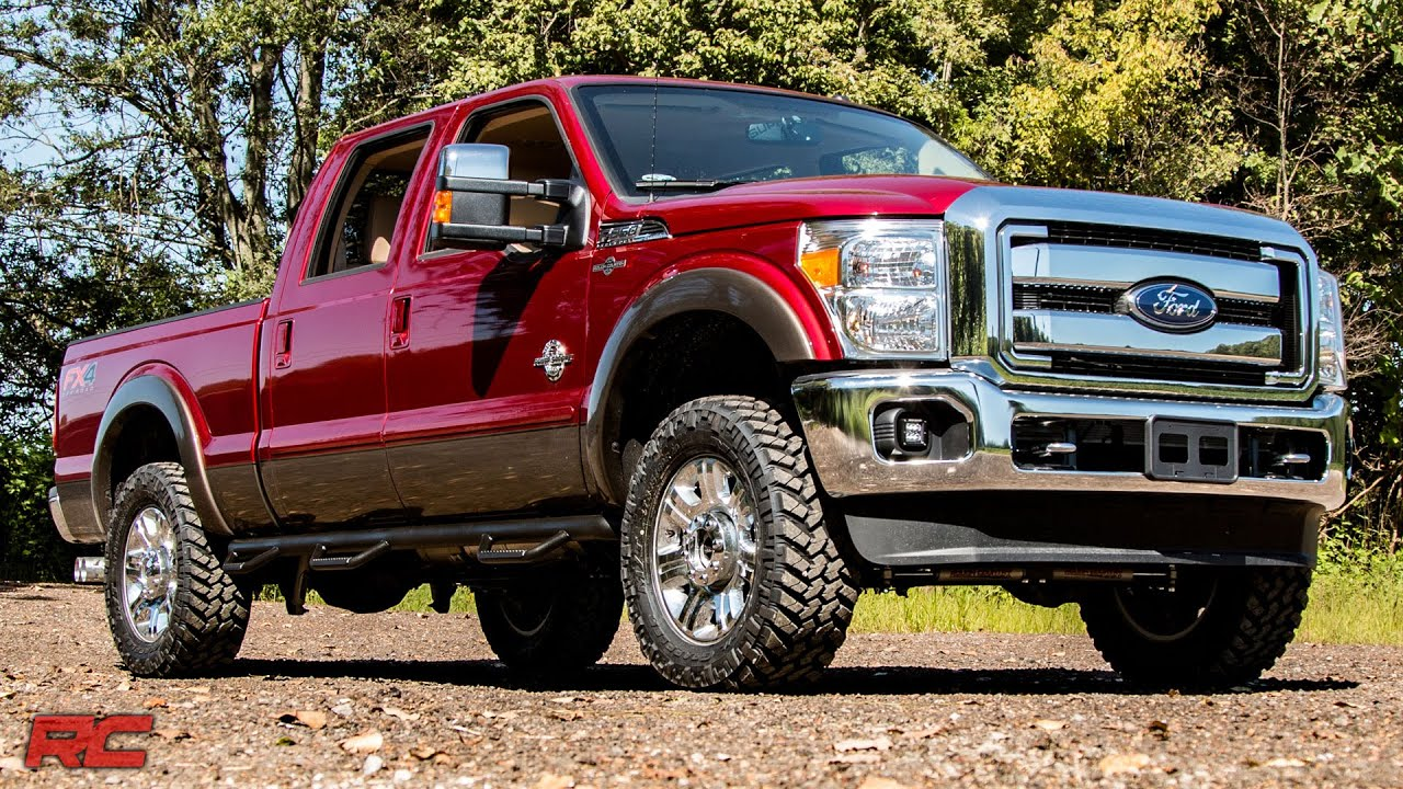 installing 2005 2017 ford f 250 f 350 super duty leveling kit by rough country [ 1280 x 720 Pixel ]