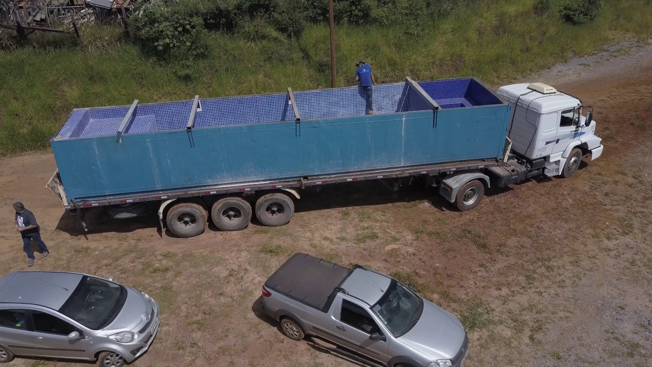 Piscina modular container s douglas rezende youtube for Piscina container