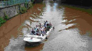 прогулка по каналам Лейпцига отдых на воде Rundfahrt Kanal Leipzig Cruise canal Leipzig/Saxony(Каналы в Лейпциге строились для того,чтобы соединить реки Вайсе Ельстер и Заале для быстрой и дешевой транс..., 2015-06-06T00:26:29.000Z)
