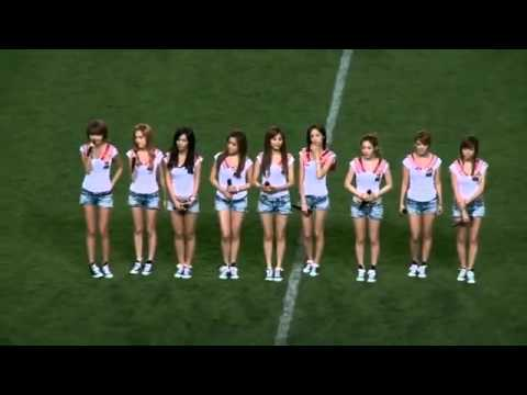 Genie + Gee SNSD -live in JOMO Cup Pro Football Korea Japan All Star Match-