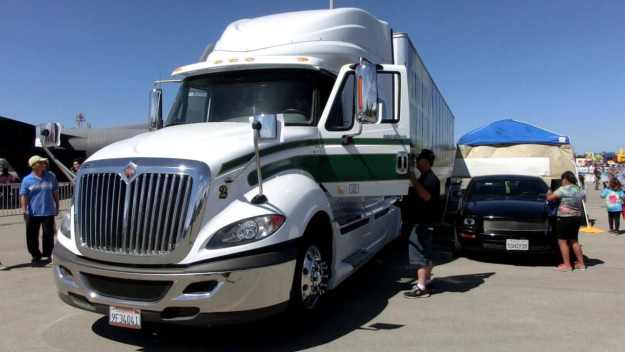 Truck Cab Inside >> Inside Long Haul International Truck with wide 10 wheels ...