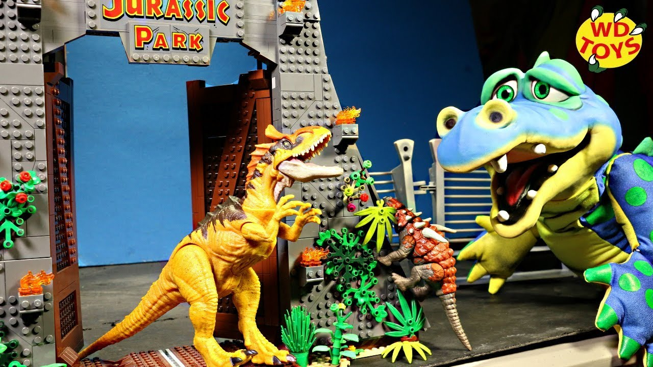 Jurassic World Savage Strike Sauropelta Dinosaur Action Figure