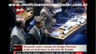 NO PODER- Senadores Demóstenes Torres e José Sarney travam bate-boca.