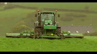 Silage '15 - John Deere 6190R with JD Triples.