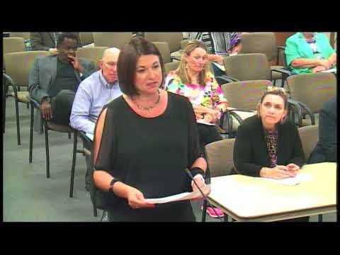 April Hagan addresses school board about the dress code