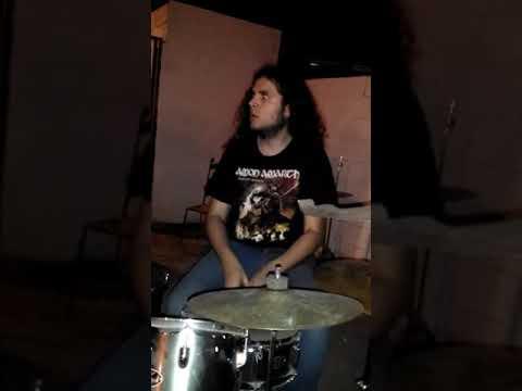 ADVERSUS [live]