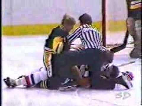 Marty McSorley vs Bob Bourne