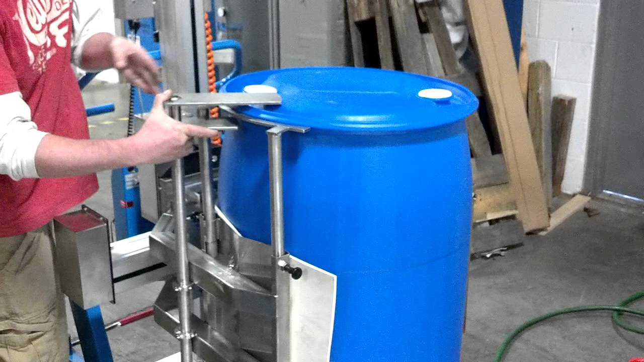 55 Gallon Plastic Drum Lift And Pour Mp4 Youtube
