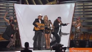 'Blurred Lines' Gets the 'Duck Dynasty' Treatment at CMA Awards