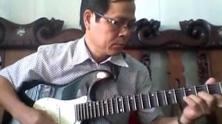 Văn Còn - guitar  cổ bài Đêm cuối