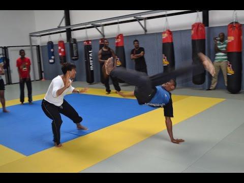 Le danmyé (ou ladja) un sport aux frontières de la danse et du combat