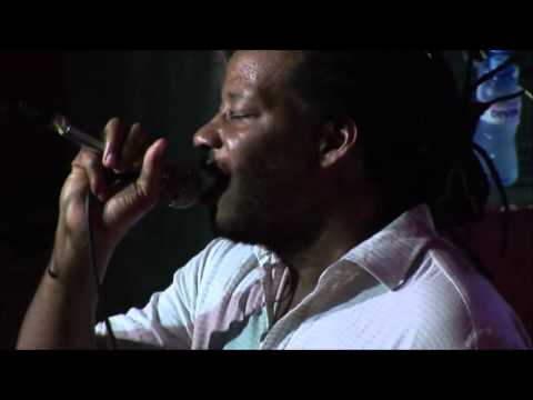 BROOKLYN FUNK ESSENTIALS ''I Got Cash,Take Me Higher'' Live In Varna 2008