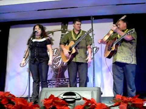 Aloha Friday December 11, 2009 Lorna Lim announces band and sing Hula O Makee.AVI