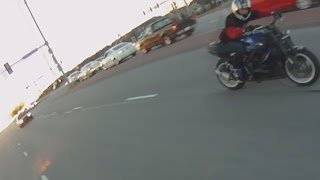 Bike VS Cop POLICE CHASE Motorcycle Riding Wheelies RUNNING From The COPS Street Bike Outruns Law