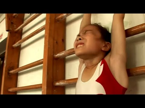 Chinese Gymnast : A Champion's School