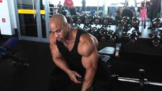 Biceps workout with VIctor Martinez