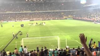 Fenerbahçe 2 - 1 Galatasaray Maç Sonu Tribünler