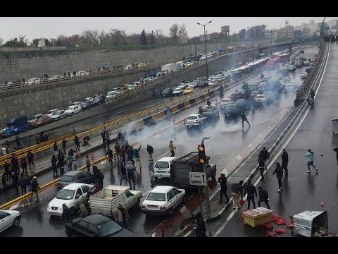 قتلى في احتجاجات إيران والسلطات تقطع الإنترنت وتهدد  - 17:01-2019 / 11 / 16