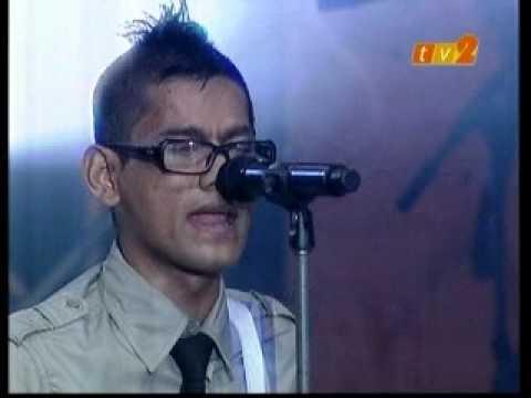 Azlan & The Typewriter - Kelibat Si Penyair - Konsert Gegar Generasiku 2009