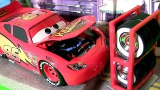 Disney Cars Lightning McQueen Tire Rack Edition 1:24 Scale Diecast by TOYS CLUB Car Toys for Kids