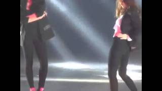 Dance battle F(x) Krystal and Victoria part2