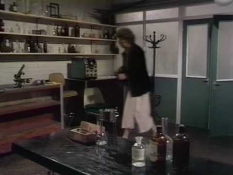 Doctor Who - Tom Baker - Episode 1 (1/3)
