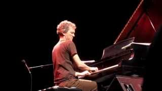 Brad Mehldau & Chris Thile - Don't Think Twice, It's All Right (Apr 14 2013)
