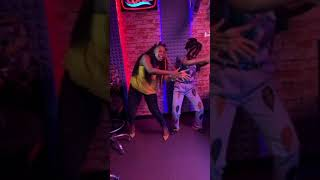 Niniola showing off dance steps to her new song omorapala