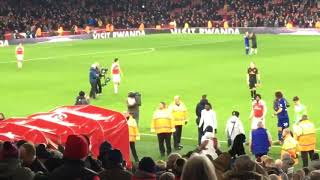 Arsenal vs Chelsea 2:0 Giroud applauds Arsenal fans after defeat at Emirates
