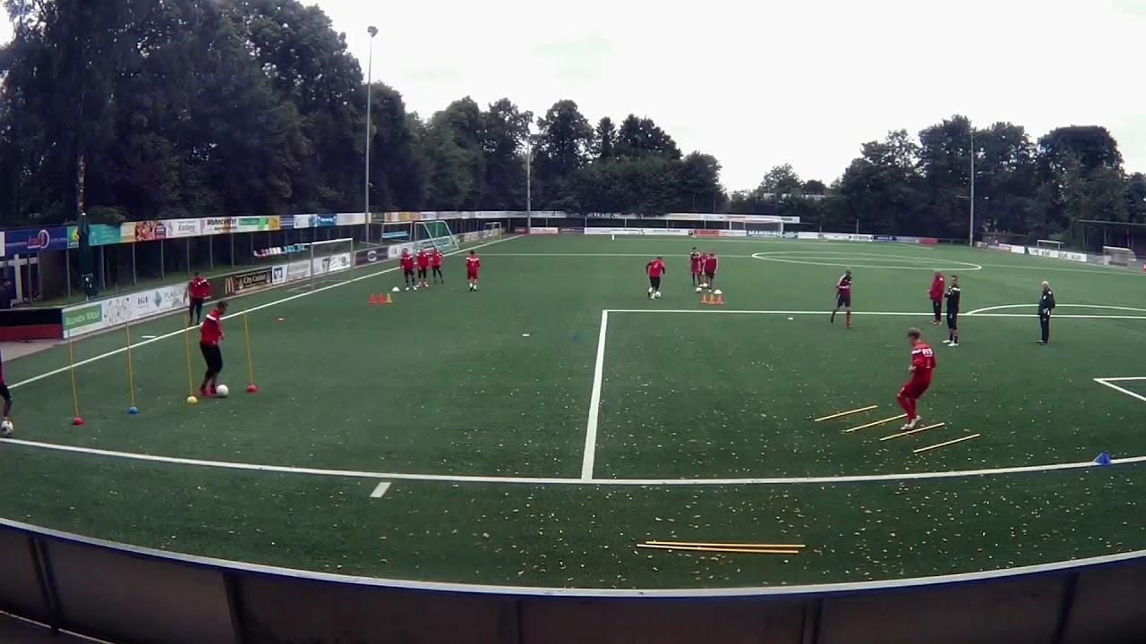 Fussballtraining Warm Up Koordination Mit Passen