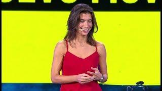 Cambiar el mundo con ideas únicas por Alejandra Mustakis