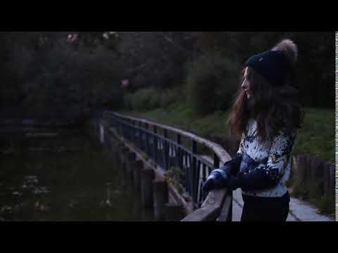 Фотосессия в женском свитере с оленями | Magazin-Jumperov.ru