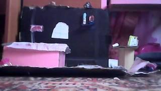 Обзор домика. Зеркало, стол, стул, комютер, книга, телефон, кресло, цветок, картина, котенок, ресинк