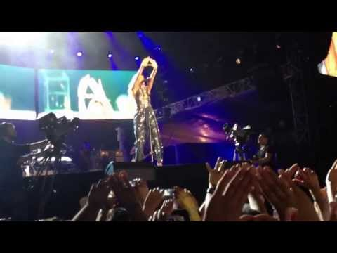 Rihanna Diamonds World Tour Istanbul - Encore- Diamonds
