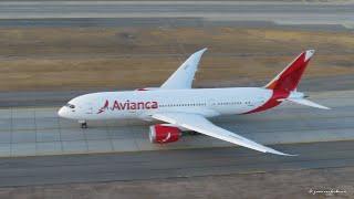 Avianca Boeing 787-8 Dreamliner (N780AV) take off from Santiago to Bogotá