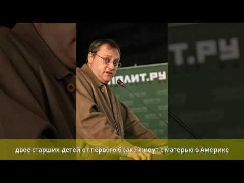 У Владимира Высоцкого есть такой же родной сын Аркадий