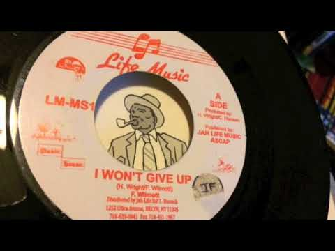 Frankie Wilmott - I Won't Give Up - Life Music