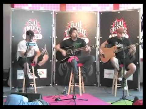 Crossfade - Invincible (Acoustic, 97.1 The Eagle Performance) - 2006