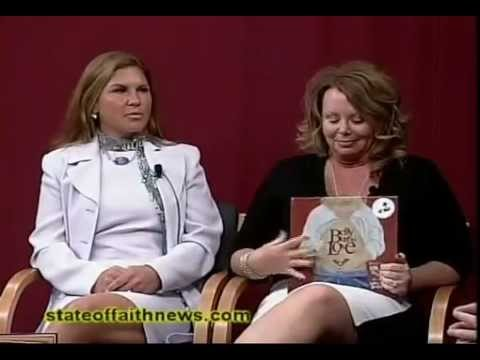 Belly Button Love — Kelly Hagen