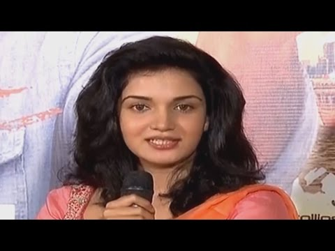 star chat mohanlal honey rose kanal interview 15th november 2015 highlights malayalam cinema actors actress interviews star chat celebrities face   malayalam cinema actors actress interviews star chat celebrities face