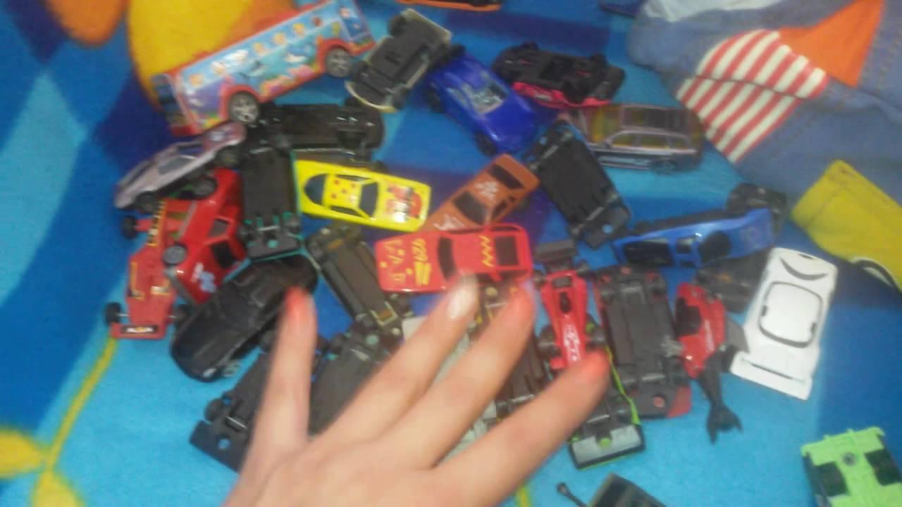 Приехали к бабушке в гости и нашли старые запасы машинок)