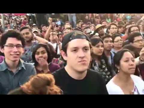 Miles de personas reciben a #Marichuy en la #UNAM