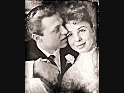 Pretty Blue Eyes ~ Steve Lawrence  (1959)
