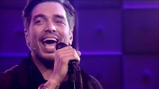 Waylon zingt Sledgehammer van Peter Gabriel - RTL LATE NIGHT