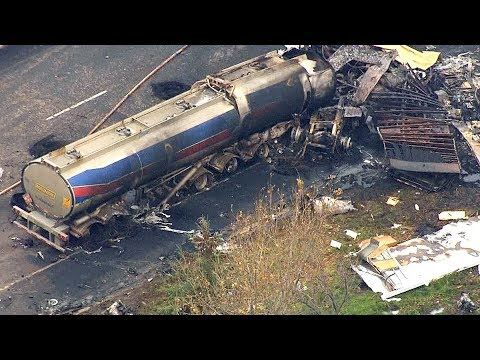 Fiery 14-vehicle crash on Highway 400 kills 3