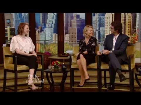 Emma Stone and Josh Groban Kiss