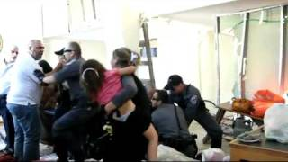 ISRAEL - israeli police brutality on Arab women and children - BARBAR İSRAİL POLİSİ