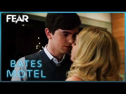 Norman And Madeleine Bake A Cake | Bates Motel